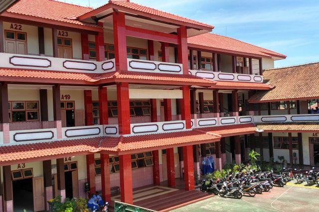 Gedung Bertingkat SMK Yapek Gombong